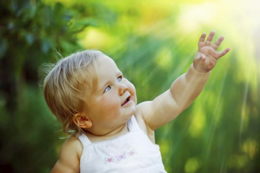 ребенок и солнышко, витамин д